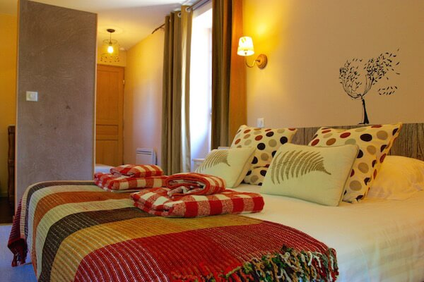 chambre hote lyon automne la source dor e. Black Bedroom Furniture Sets. Home Design Ideas